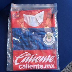 New in bag w/tag Club Deportivo Guadalajara jersey